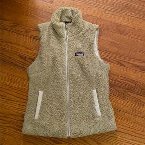 Patagonia vest tan in good condition Sz M